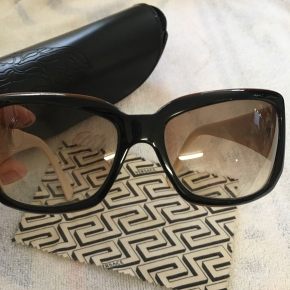 e413530fb939 Like new! Versace women s sunglasses. M 5a57ebb33afbbd12560007fb. Other  Accessories ...